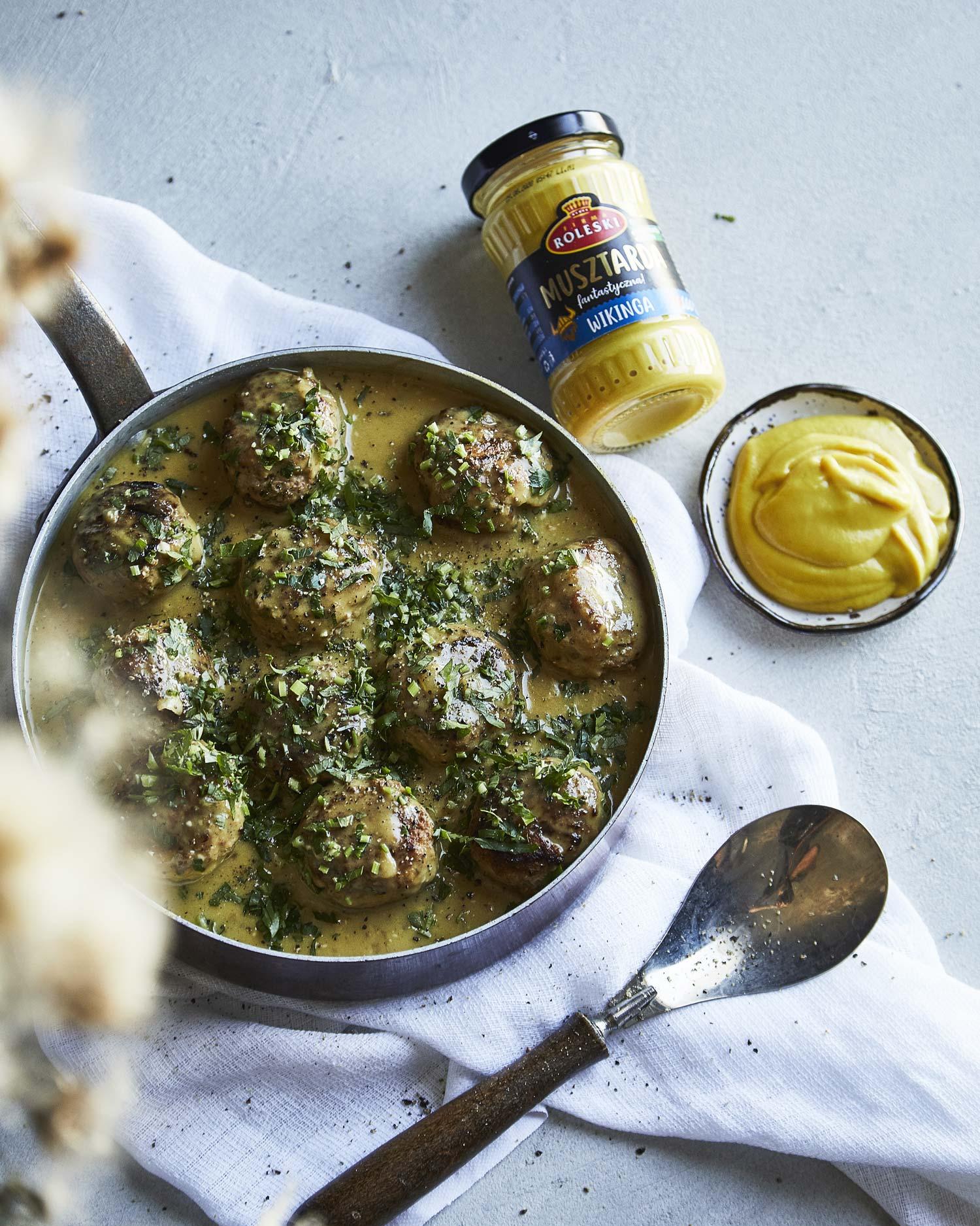 Szwedzkie klopsiki z indyka w sosie musztardowym