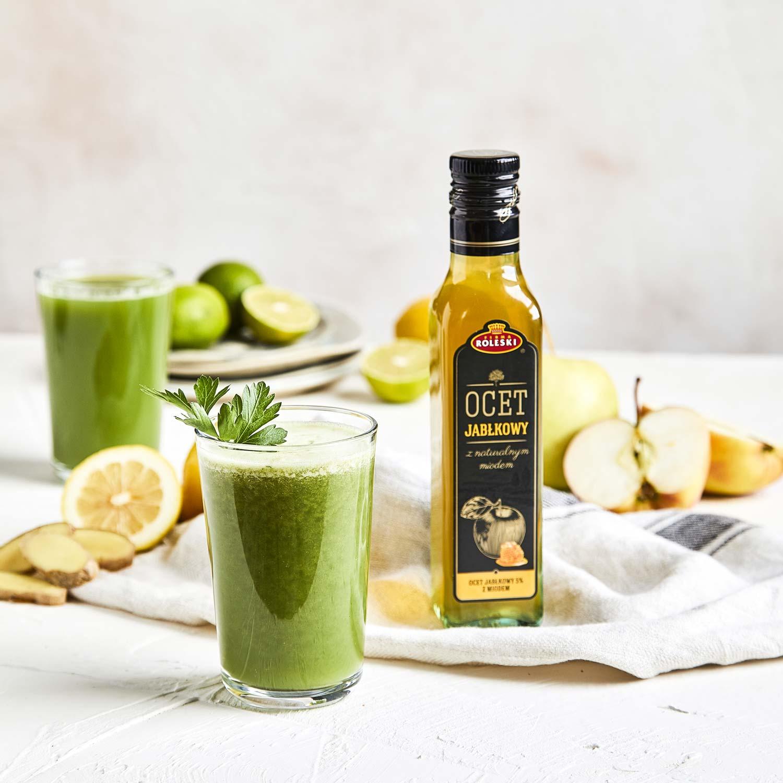 Zielone smoothie z jarmużem, natką pietruszki i ananasem